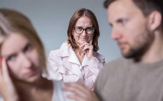 طريقة التعامل مع الزوج الذي يفضل اهله