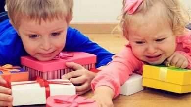 صورة كيفية التعامل مع الطفل الذي يغار من اخيه