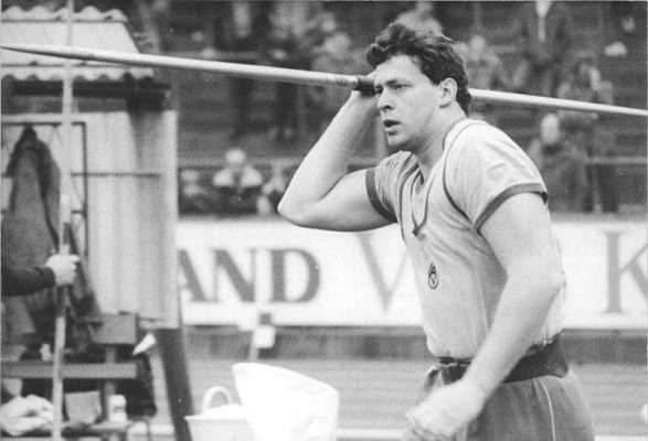 تاريخ رياضة رمى الرمح
