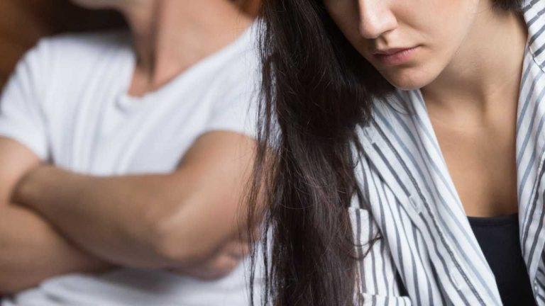 كيفية التعامل مع الزوج الذي يسب زوجته