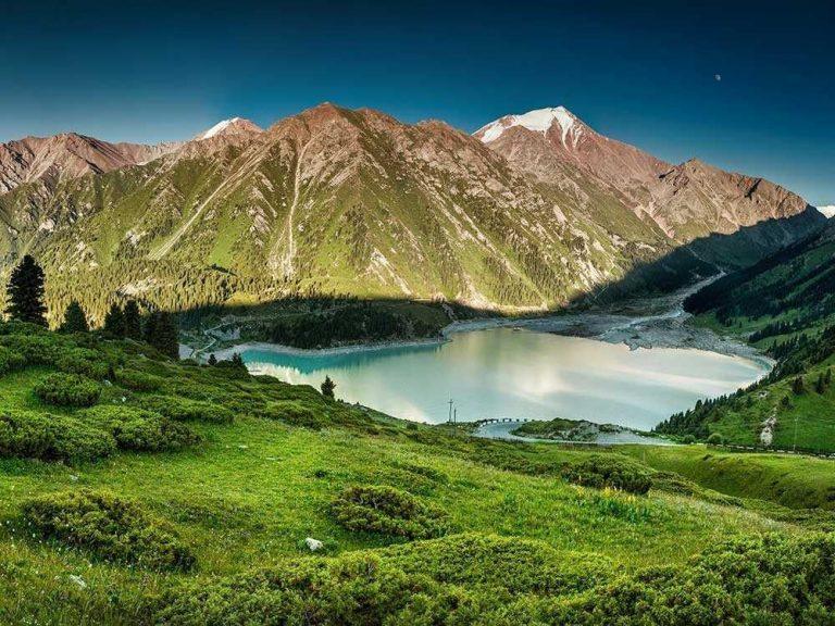 الطبيعة في كازاخستان