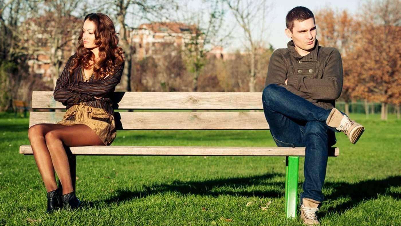 كيفية التعامل مع الزوج الذي يتجاهل زوجته