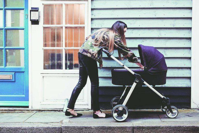 خروج الأطفال حديثي الولاده
