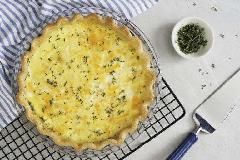 طريقة عمل فطيرة الجبنة البيضاء بالزعتر