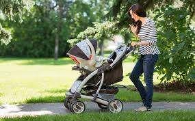 خروج الأطفال حديثي الولاده_عربات المشي