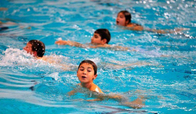 أخطاء شائعة في السباحة ..