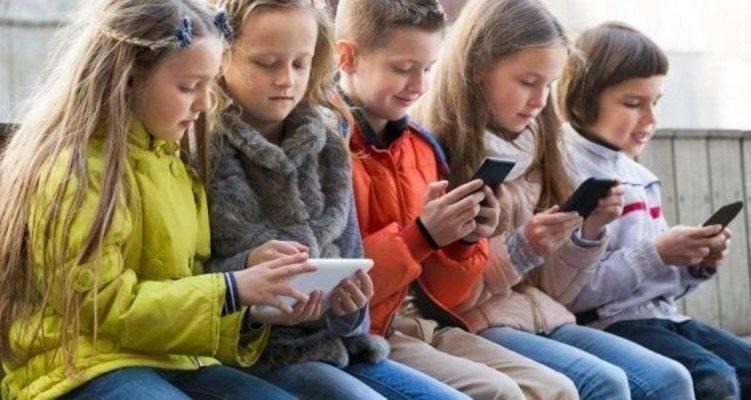 التكنولوجيا - مشاكل الأطفال في سن التاسعة