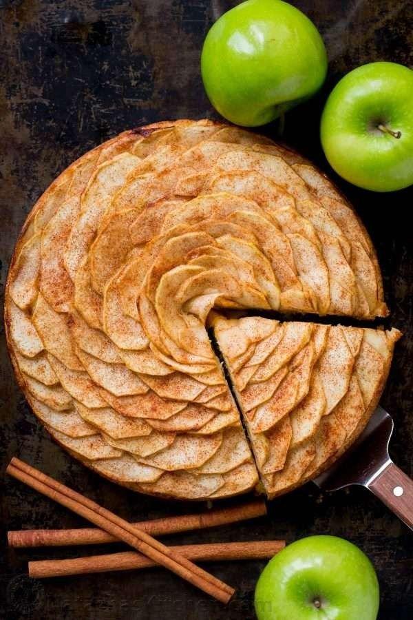 طريقة عمل كيك التفاح