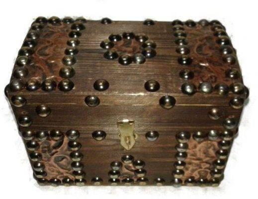 صناديق المجوهرات الخشبية