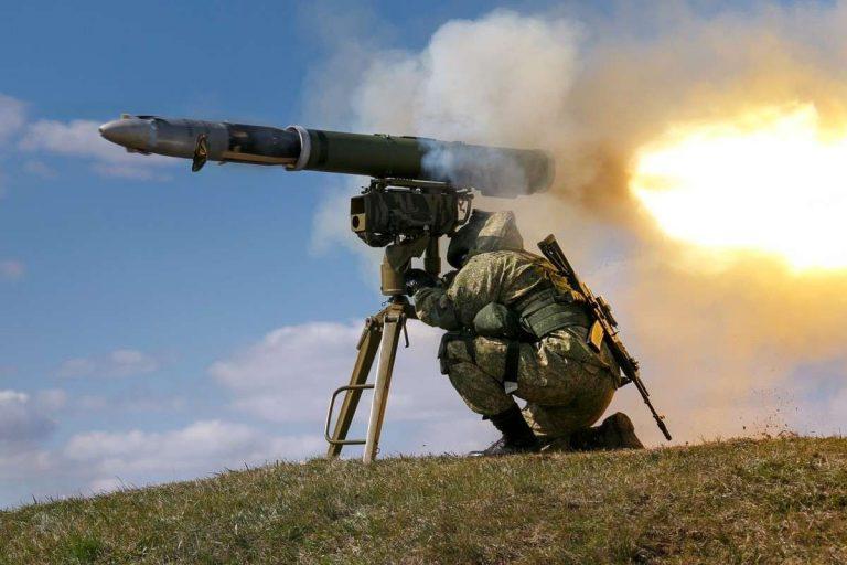 إطلاق صاروخ الكورنيت