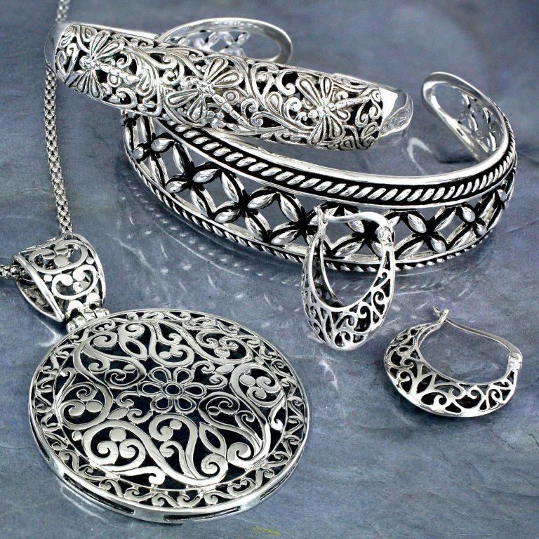 مجوهرات الصغر
