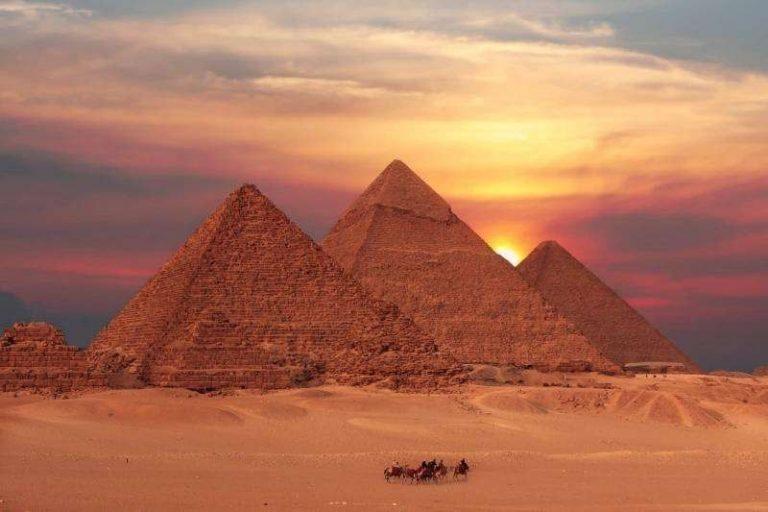معلومات للاطفال عن الأهرامات الثلاثة