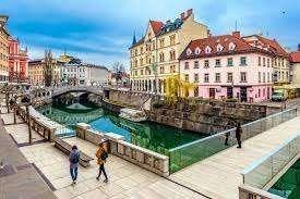 Photo of أفضل الهدايا من سلوفينيا .. تعرف علي أفضل التذكارات في سلوفينيا