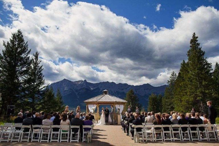 تفاصيل نفقات قاعة الزفاف وتجهيزات الحفل