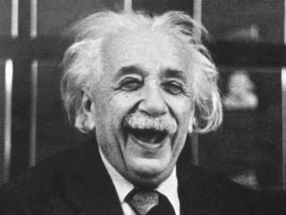 ألبرت أينشتاين وقصة النظرية النسبية