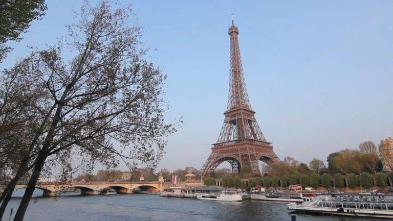 السياحه في فرنسا شهر ابريل