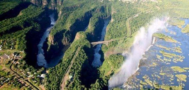معلومات عن نهر زمبيزي