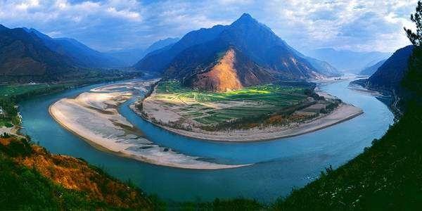 معلومات عن نهر اليانجستي