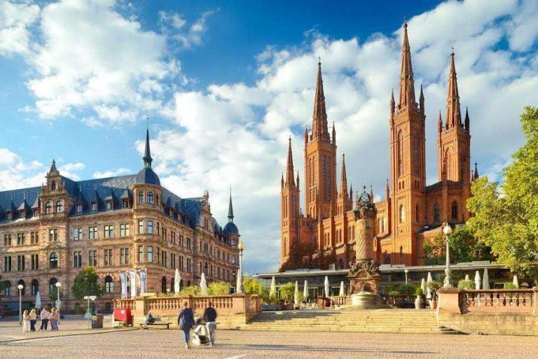 السياحة في المانيا في شهر ابريل