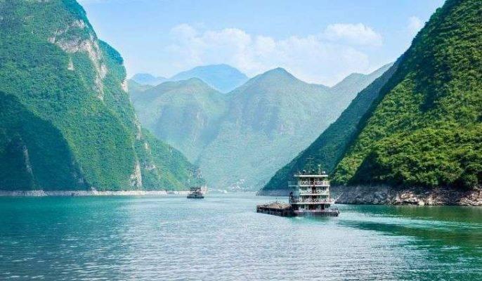 معلومات عن نهر اليانجستى...