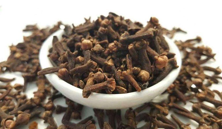 فوائد القرنفل مع الشاي