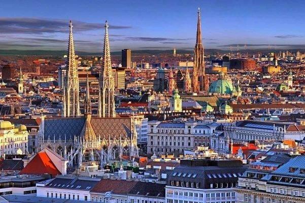 فيينا - السياحة في التشيك والنمسا