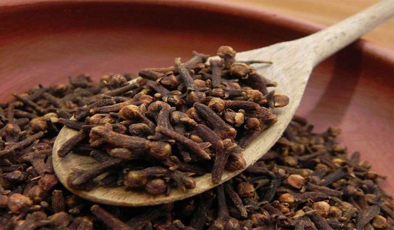 الآثار الجانبية للشاي مع القرنفل - فوائد القرنفل مع الشاي