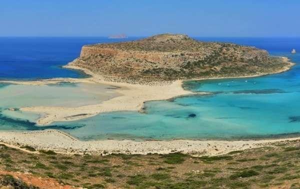 يوليو..أفضل وقت للشواطئ اليونانية..