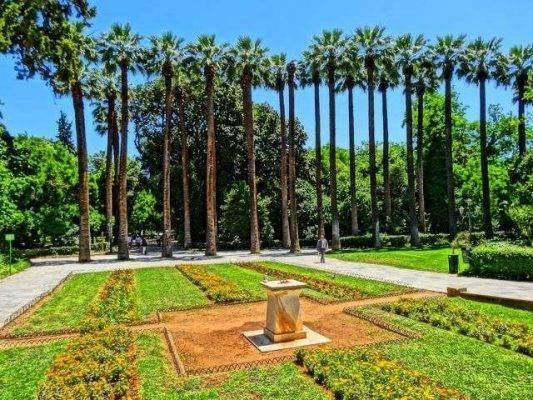 حدائق أثينا الوطنية ..