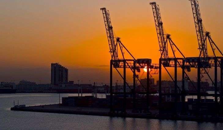 بماذا تشتهر جنوب افريقيا صناعيا وتجاريا