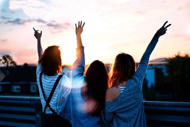 حكم بالانجليزي عن الصداقة