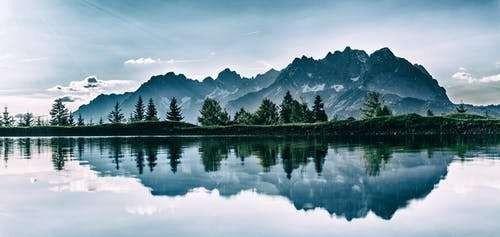 حكم بالانجليزي عن الطبيعة للفلاسفة والعلماء