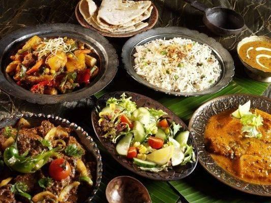 حكم بالانجليزي عن الطعام من الطُّهاة