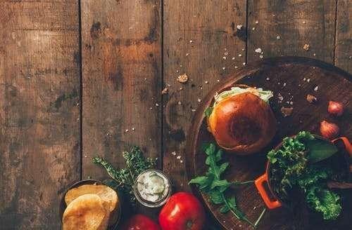 حكم بالانجليزي عن الطعام متنوّعة