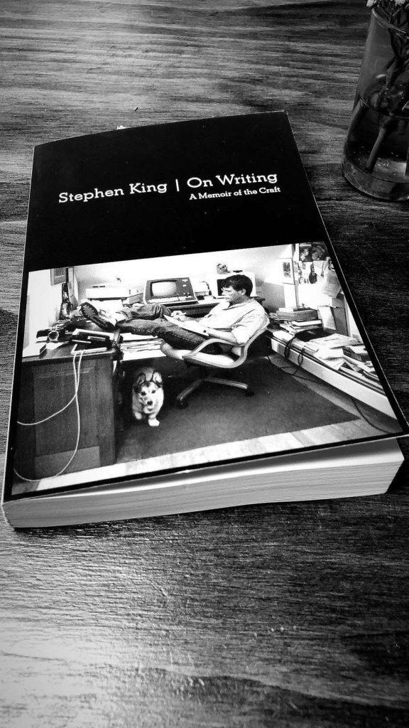 على الكتابة: مذكرة من الحرفية من قبل ستيفن الملك