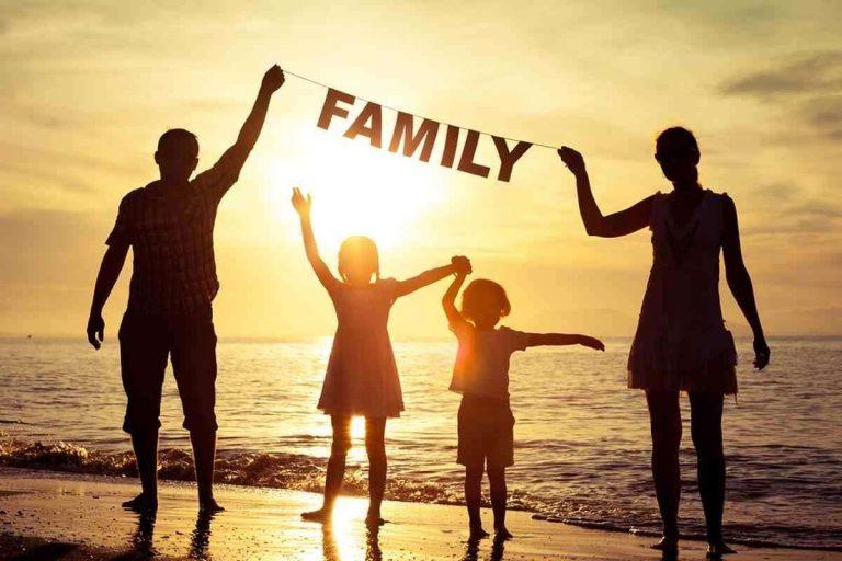 حكم بالانجليزي عن العائلة