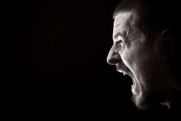 حكم بالانجليزي عن الغضب