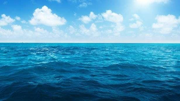 حكم بالانجليزي عن الماء