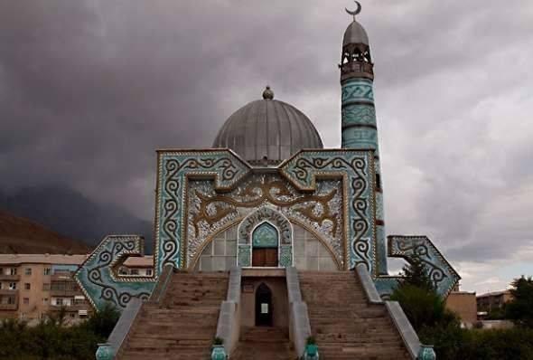 الدّين والوضع الاقتصاديّ في دولة قيرغيزستان