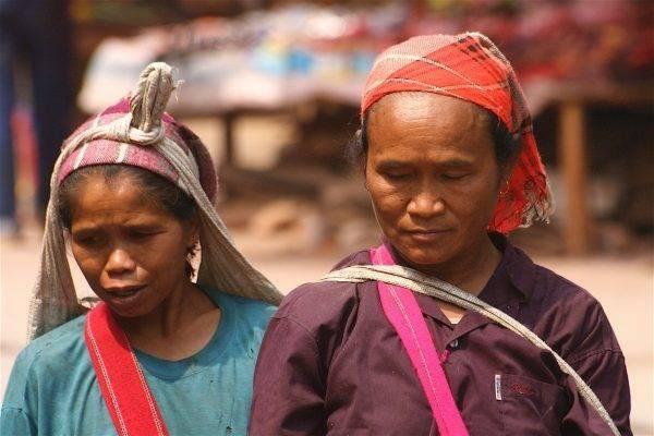 العمر المتوقّع للسكّان في لاوس