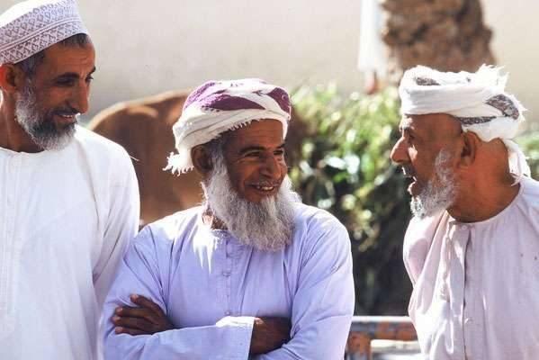 متوسِّط العمر للسّكّان في عُمان