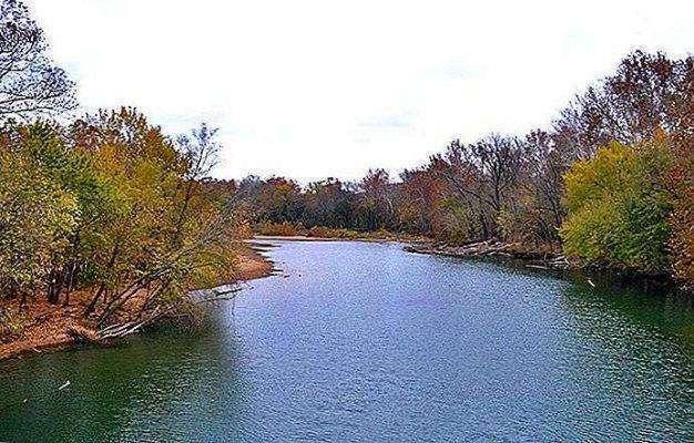 بحيرة أوزاركس ..