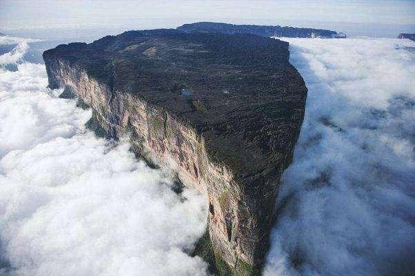 جبل رورايما ..