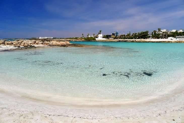 السياحة في قبرص اليونانية