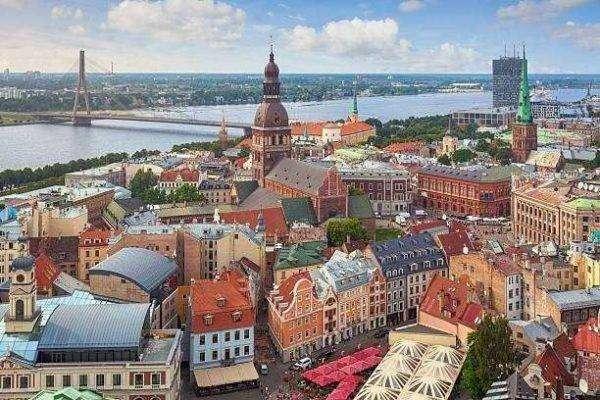 بماذا تشتهر دولة لاتفيا