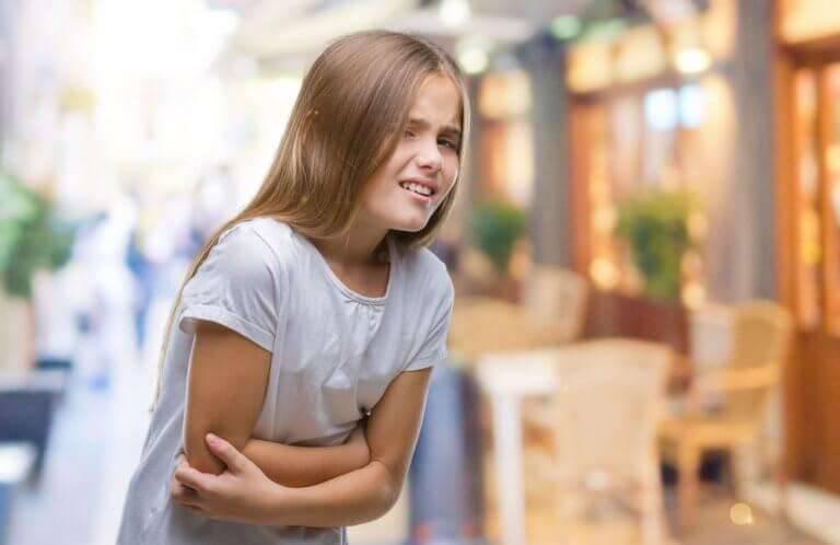 أعراض عسر الهضم عند الأطفال