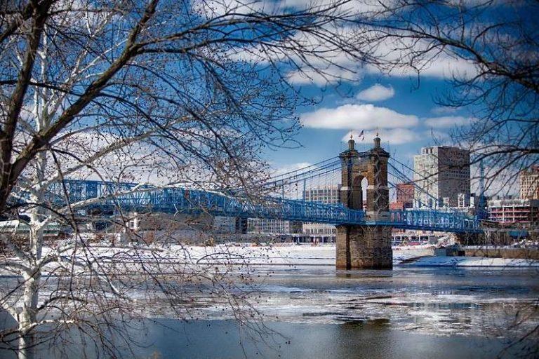 فصل الشتاء في مدينة سينسيناتي ولاية أوهايو