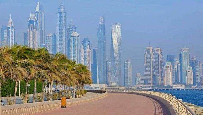 تاريخ النّموِّ الاقتصاديِّ في امارة دبي