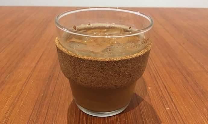 وصفة القهوة الباردة مع الفانيليا وحليب اللوز