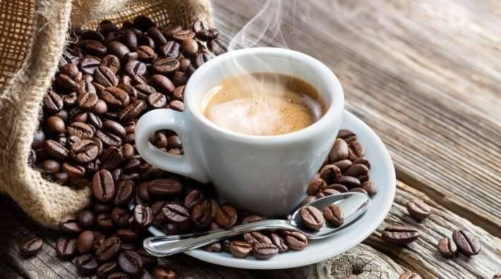 ما هي مكونات فنجان قهوة الزبدة؟